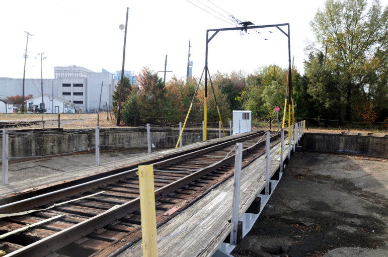 Another view of the turntable.