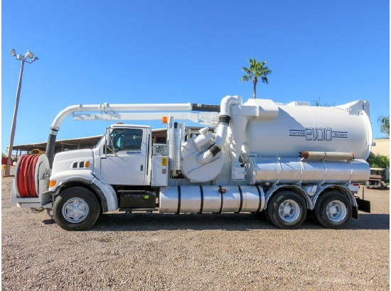 This sewer flusher truck is pretty boss