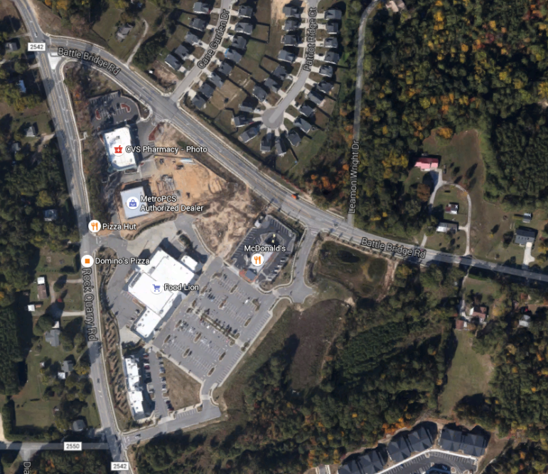 The new Taco Bell will be built on that dirt parcel in the Northeast corner of the shopping center